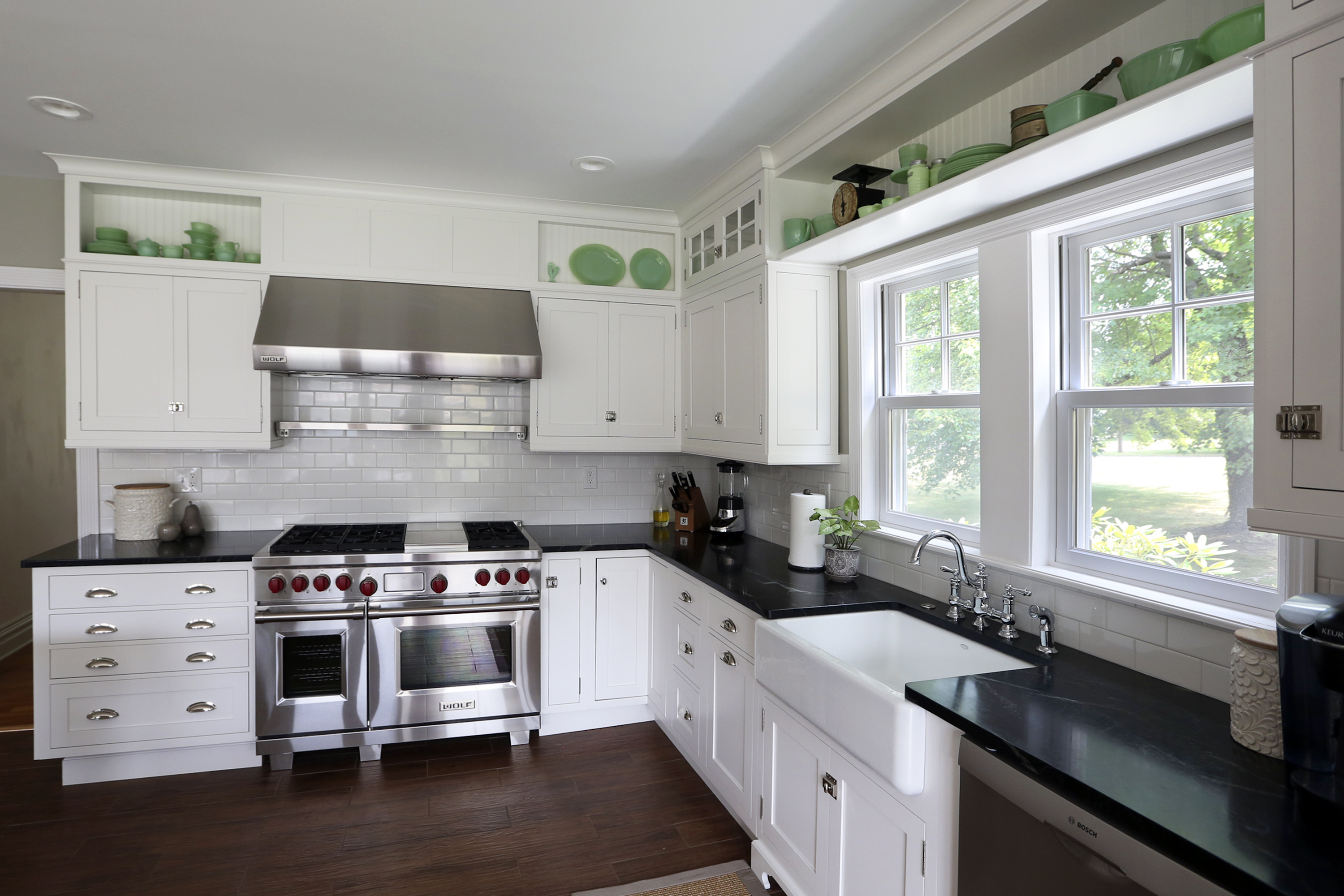 kitchen-small-modern-l-shaped-kitchen-design-ideas-with-window-treatment-ideas-with-granite-countertop-and-kitchen-sink-and-faucet-also-hood-range-kitchen-l-shaped-design-kitchen-ideas